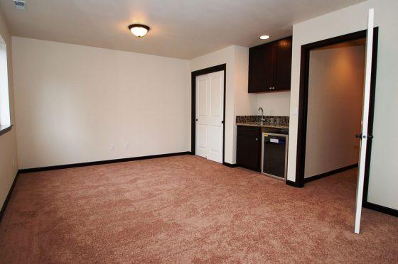 Shoreline Residential Room