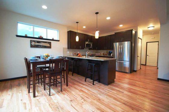Shoreline Residential Livingroom & Kitchen